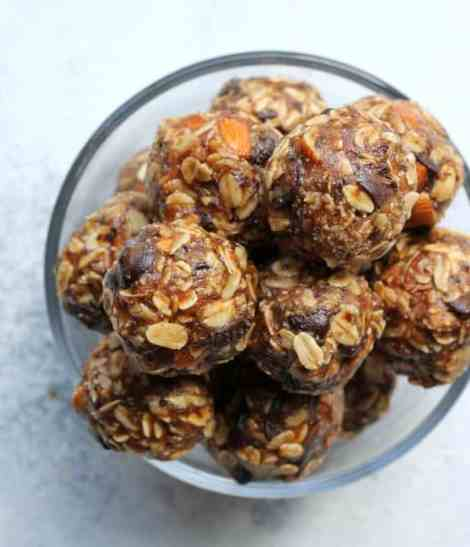 Kashi Copycat Salted Dark Chocolate and Almond No-bake energy bite