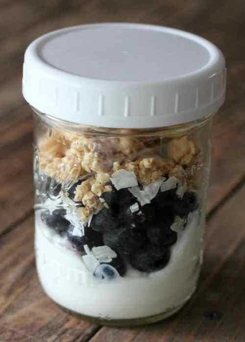 blueberry yogurt jars