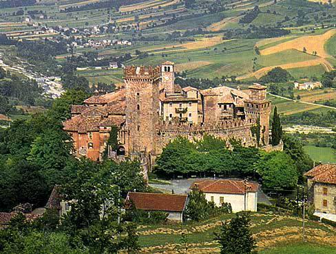 Castello di Vigoleno Vigoleno di Vernasca  Piacenza