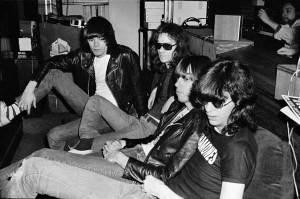 Danny Fields zeigt seine Ramones