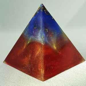Arcoiris Rainbow Orgone Orgonite Pyramid 6cm - Herkimer Diamonds, Cleat Quartz Point, Celstitie, Rose Quartz and Gold deep within this Multicoloured, Multifaceted Rainbow Orgonite