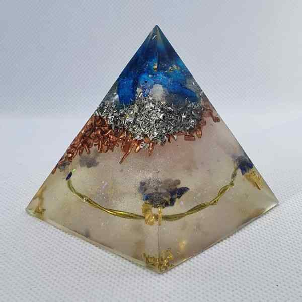 Past Now Future Orgone Orgonite Pyramid 6cm - Blue Quartz, Rose Quartz on top of silver, aluminium and copper, gold and brass tensor ring