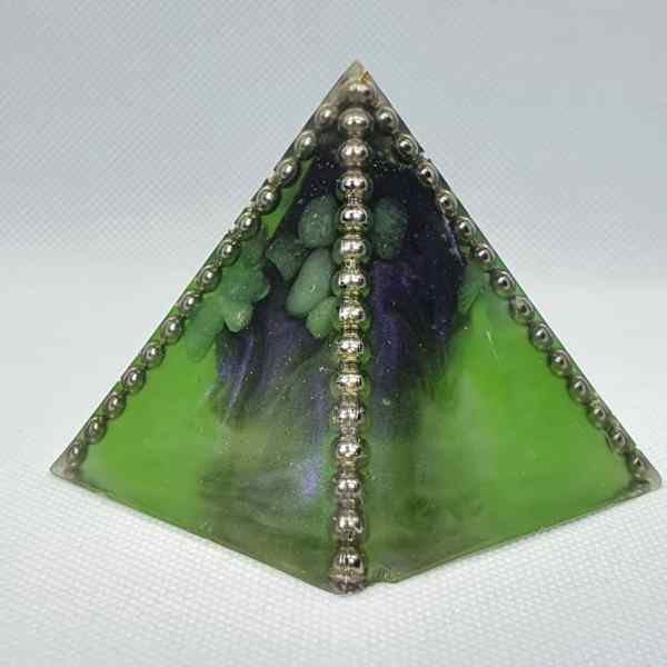 Dragons Den Orgone Orgonite Pyramid 6cm - Herkimer Diamond topped, Large Black Tourmaline Chunk, Green Adventurine and Peridot, creating protection by being incased in Steel, a facet of purple for depth