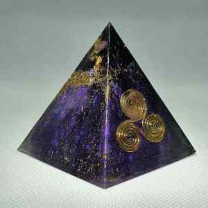 Aquarius Dreams Orgone Orgonite Pyramid 6cm - Radiating with a Pink Tourmaline, Amethyst for wisdom, intuition, and truth. Herkimer Diamonds, Sacred Geometry, with Brass and Shungite for Protection, visions of?...
