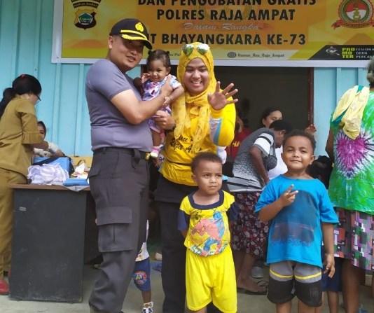 Polres Raja Ampat Gelar Pengobatan Gratis di Perum 300 Waisai Kota. Foto: Humas Polres Raja Ampat.