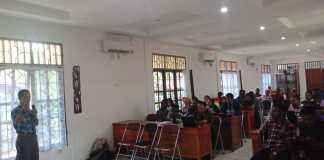 Suasana diskusi panel CPNS ynag diselenggarakan oleh Pengurus Ikatan Alumni FKM Uncen