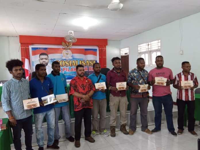 Filep Wamafma: Masalah Papua adalah Warisan Bagi Generasi Papua Saat ini