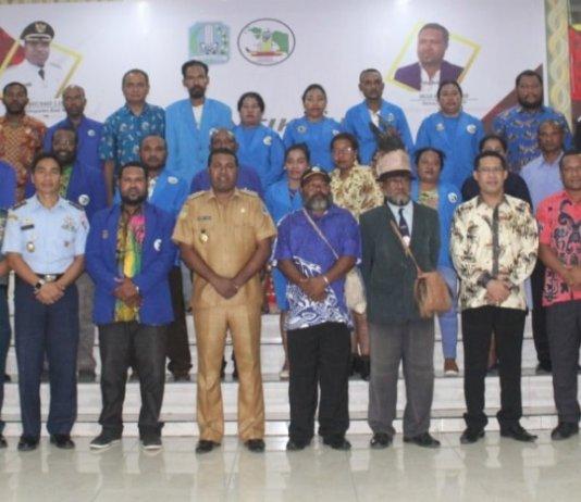 Setelah Lantik DPD KAPP, Bupati Biak Numfor: Pengusaha Papua Bersaing dan Majukan SDM. Foto: Humas Pro Biak.