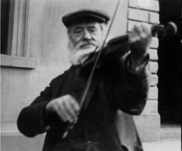 Fiddler in Oriel 1912