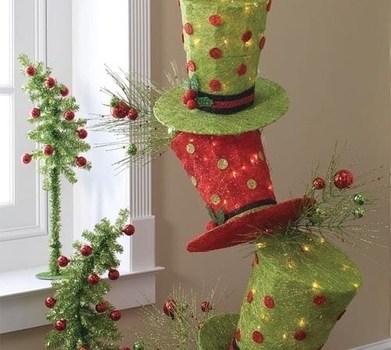 Peque os arboles de navidad con sombreros de copa for Arbol de navidad pequeno