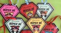 Compartimos estas fantásticas medallas creadas por @lapizarradem para colorear y regalar a nuestros alumnso/as y fomentar en clase la autoestima y buen comportamiento. SIGUELA EN INSTAGRAM https://www.instagram.com/lapizarradem/?hl=es DESCARGA LAS MEDALLAS […]