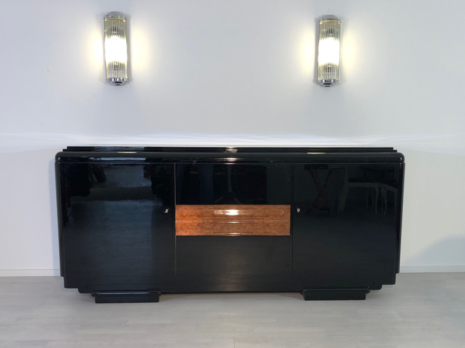 Original 1920er Art Deco Sideboard aus Nussbaumholz  Original Antike Mbel