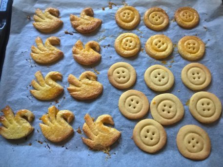 Buttery swans and buttons