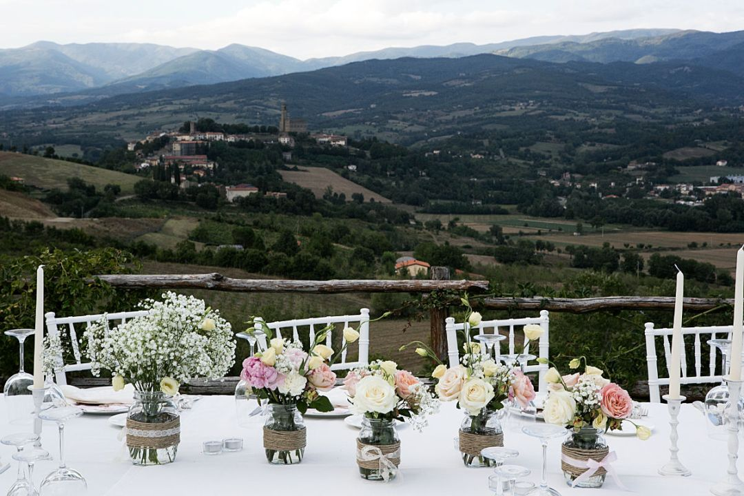 dinner party in the hills of Casentino at La Vecchia Quercia