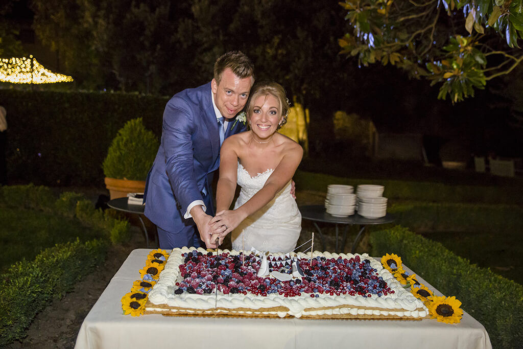 wedding cakes in Tuscany