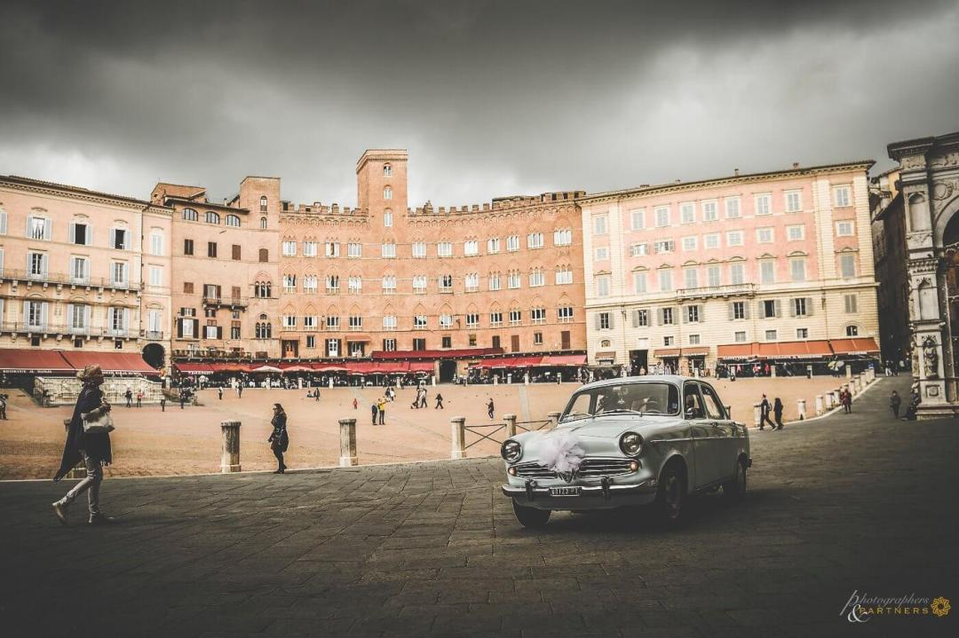 civil wedding Piazza del Campo Siena