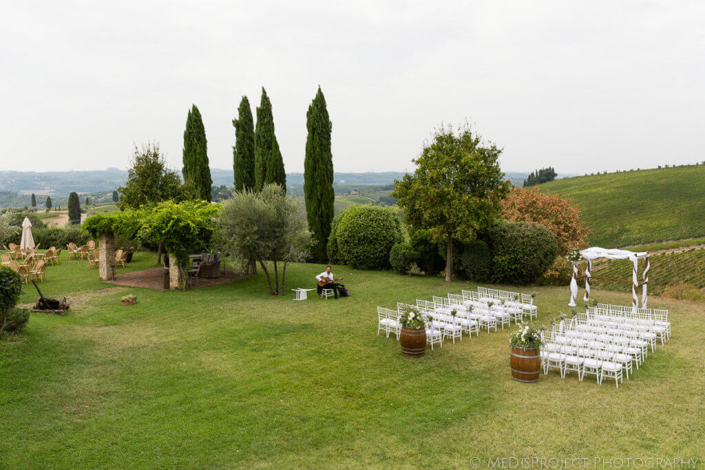 Alicia & James garden ceremony Tuscany