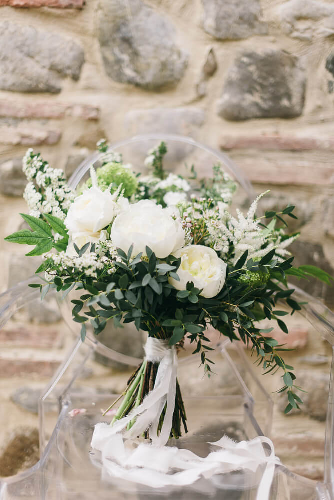 bride bouquet tuscan wedding