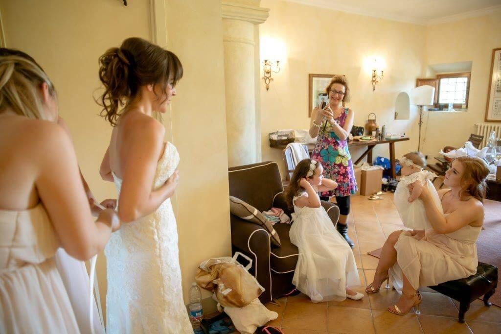 Caroline prepare for the wedding