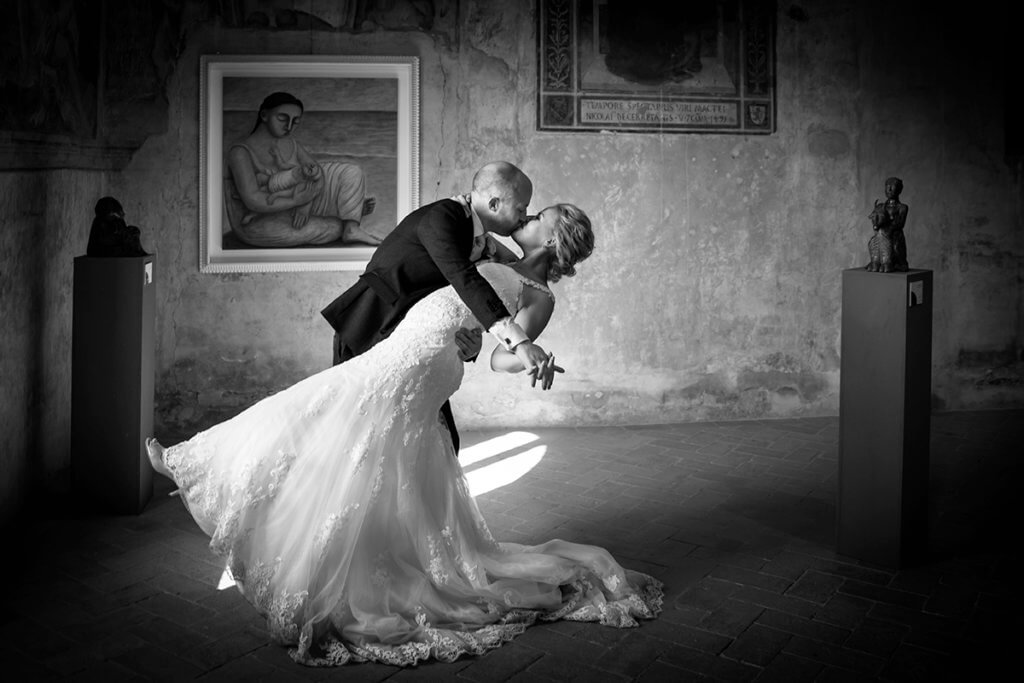 Groom kiss the bride after the ceremony