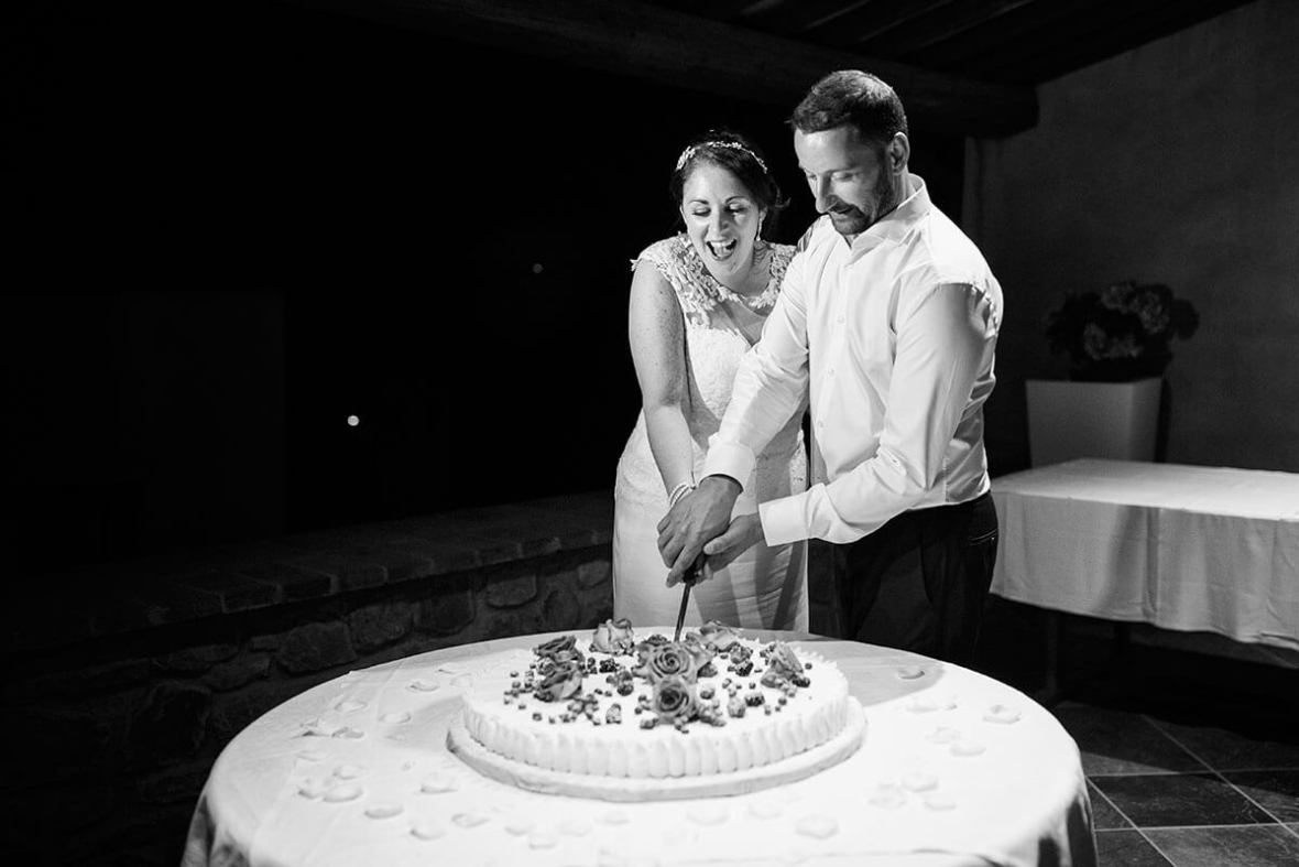 Anya & James cut their wedding cake