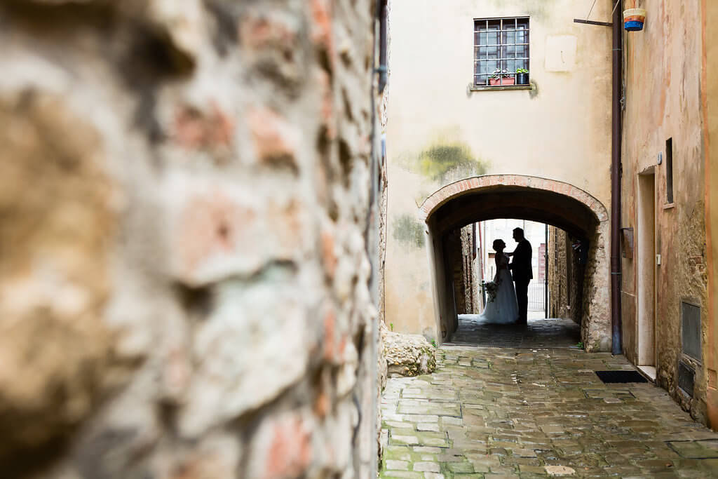 Civil wedding in an tuscan medieval town