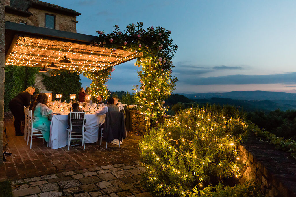 al fresco wedding dinner in Tuscany
