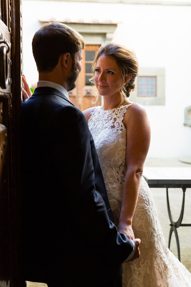 intimate wedding in tuscan country
