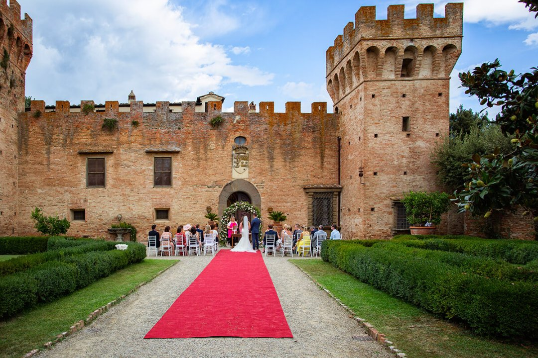 castle wedding tuscany