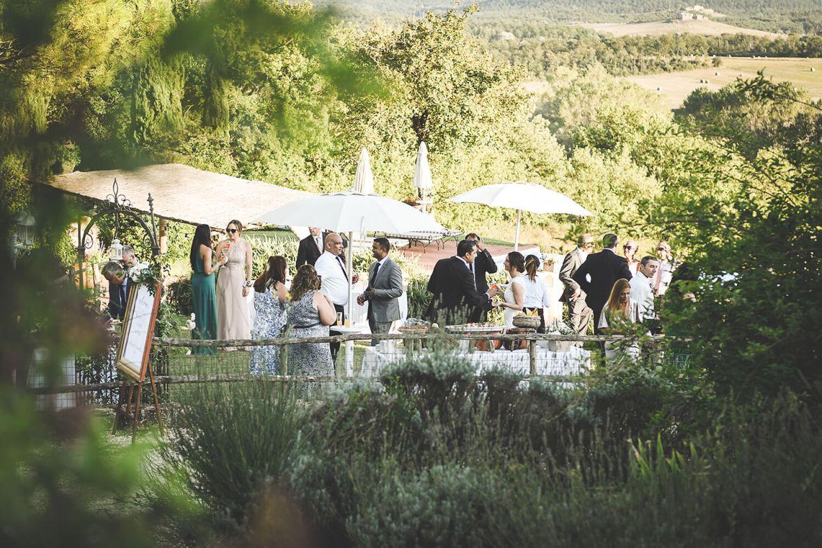 wedding among nature in Tuscany