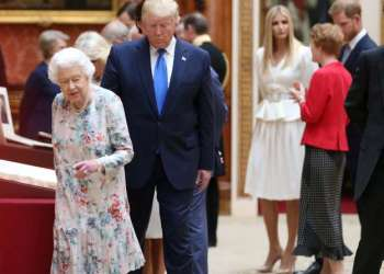 Trump fails to recognize his gift to Queen Elizabeth II