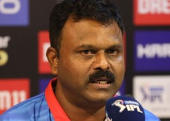 It is understood that 50-year-old Amre, best remembered for his debut Test hundred against South Africa in Durban, has applied for the job.