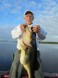 13lb Lake Toho bass fishing guide trip monster