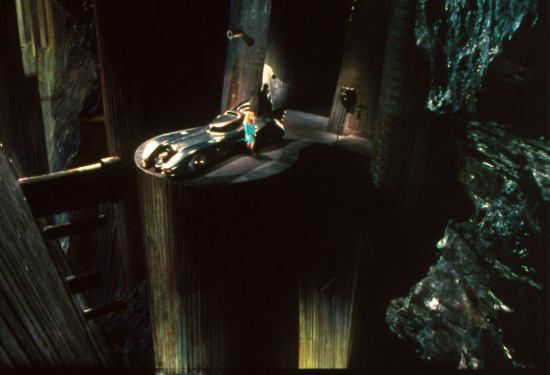 Batman Beyond 3d Wallpaper Gotham Island What Batman S Gift Shops Carnival Games