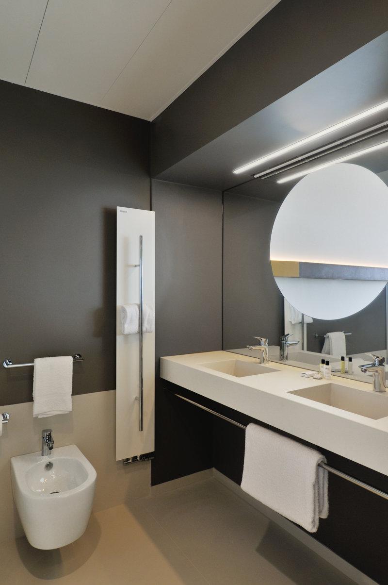 Galleria immagini top e piastrelle per il bagno