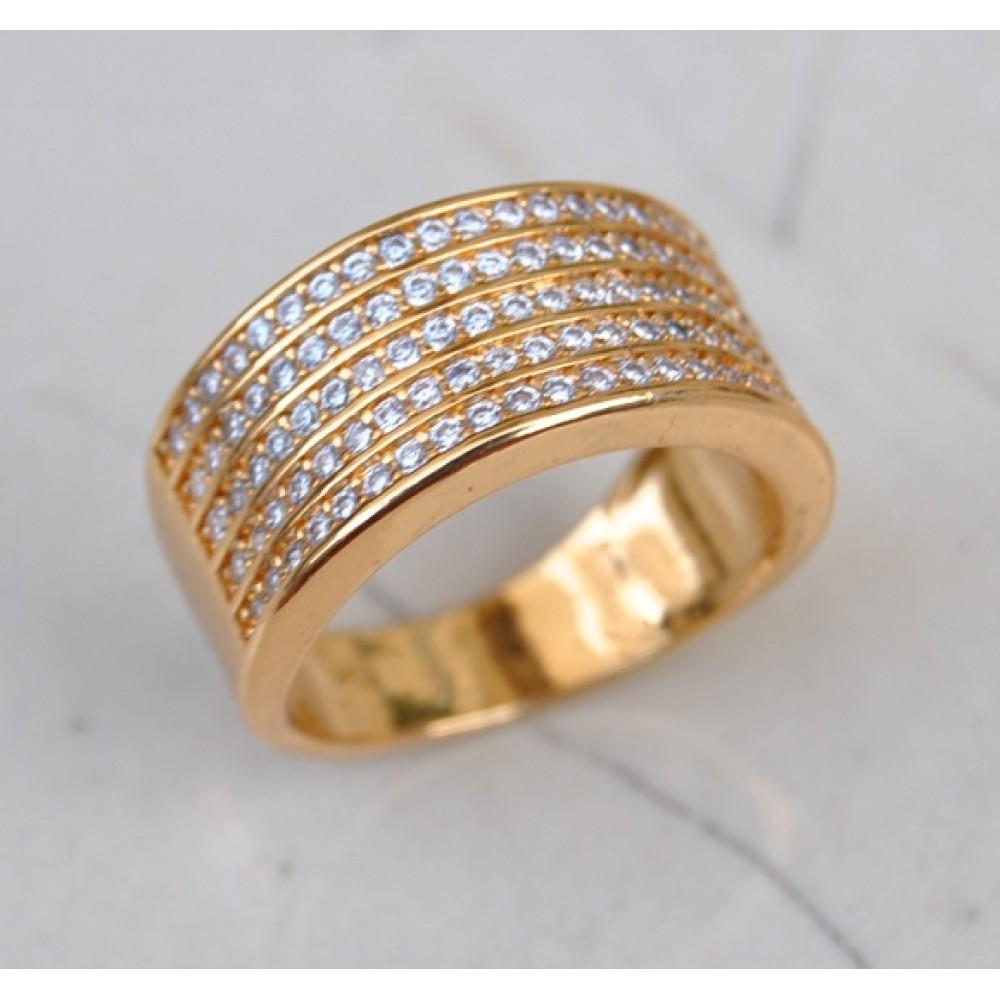 Diamond Studded 18K Gold Ring