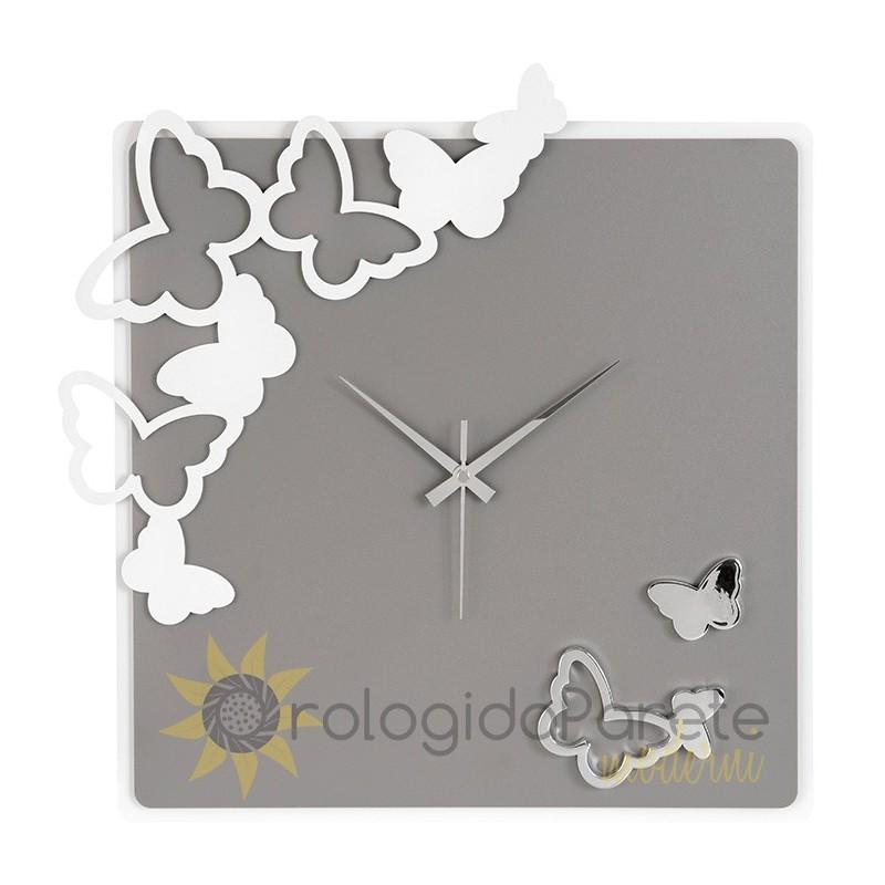 Dal design elegante e ricercato a quello divertente e ironico. Orologio Moderno Quadrato Da Parete Farfalle Orologidaparetemoderni