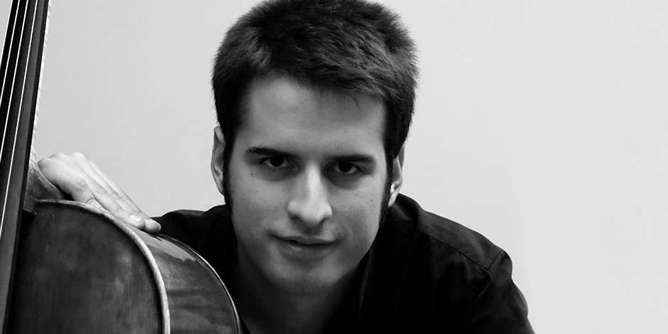 El violonchelista Joaquín Fernández, solista del próximo concierto de la Orquesta de Extremadura
