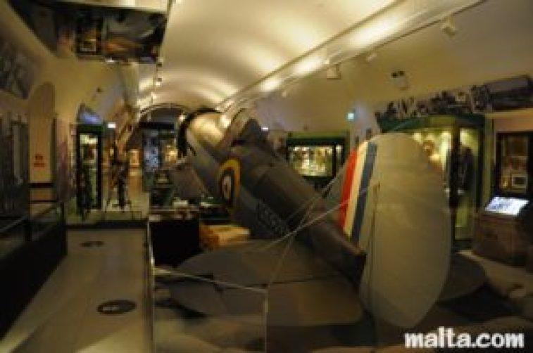 plane-main-hall-war-museum-valletta