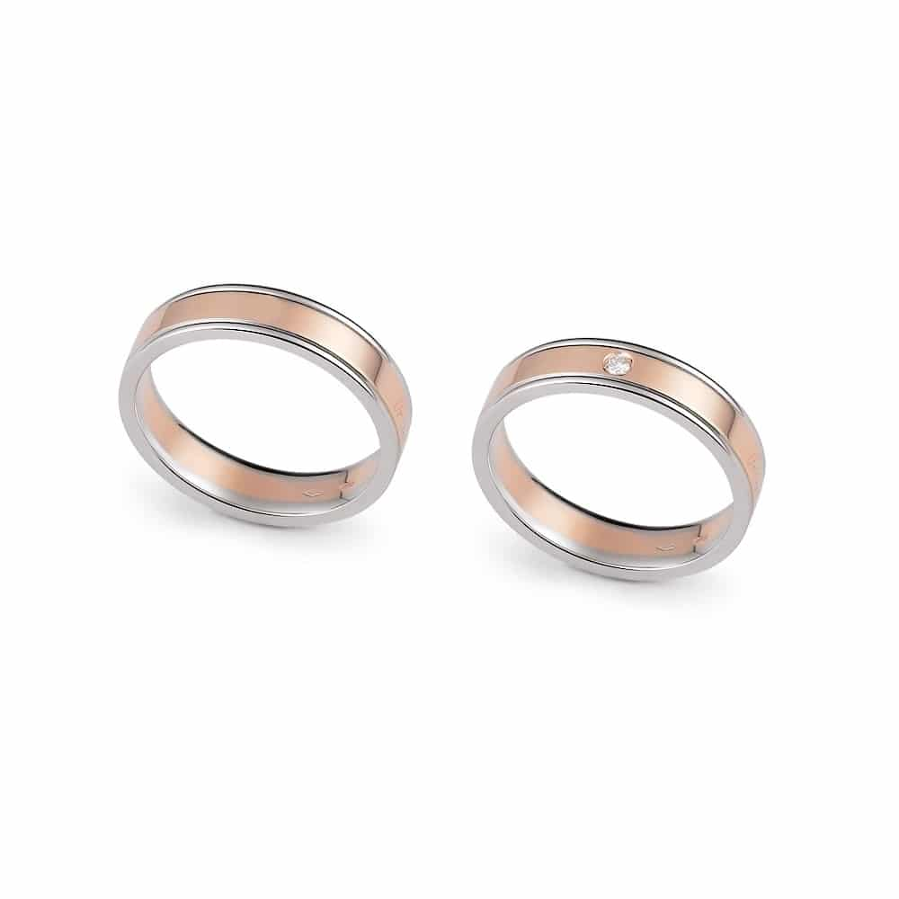 Classic bicolor gold wedding ring with engraved edges