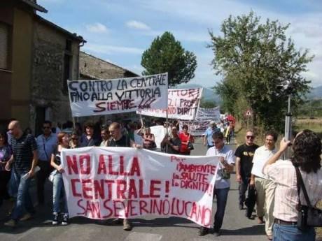 Proteste contro la centrale del Mercure