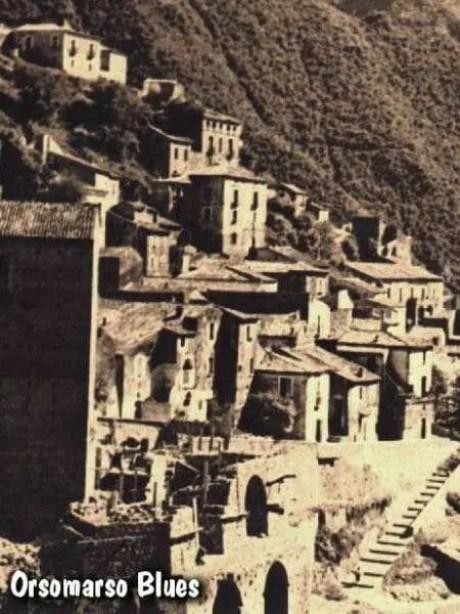 Nella foto la costruzione della Chiazzetta