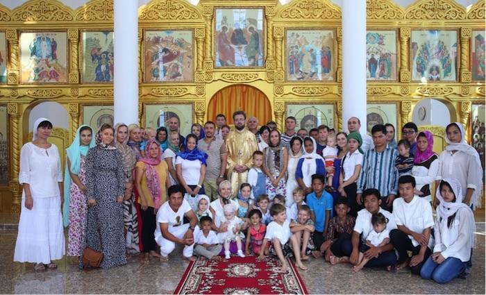 Μετά τα Χριστούγεννα Μάζα σε Παντελεήμονα hramv Σιχάνουκβιλ (Καμπότζη)