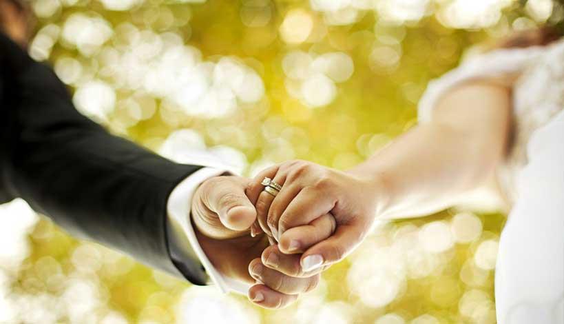 Αν κάνουμε έρωτα 5 λεπτά πριν το γάμο είναι αμαρτία, ενώ αν κάνουμε έρωτα 5 λεπτά αργότερα είμαστε εντάξει;