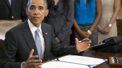 Photo of Obama Veto Threat Looms Over Medical Device Tax Battle
