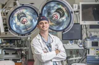 Pennsylvania Hospital Neurosurgeon Performs the First Endoscopic Minimally Invasive Spinal Surgery in Pennsylvania