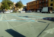 Le strisce blu in piazza Moro a Cerveteri
