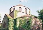 (Română) PS Nestor a liturghisit pentru prima oară la biserica din Montgeron, duminică, 26 iunie