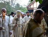(Română) (Foto) Părintele Mihail Osorghin a fost petrecut pe ultimul drum
