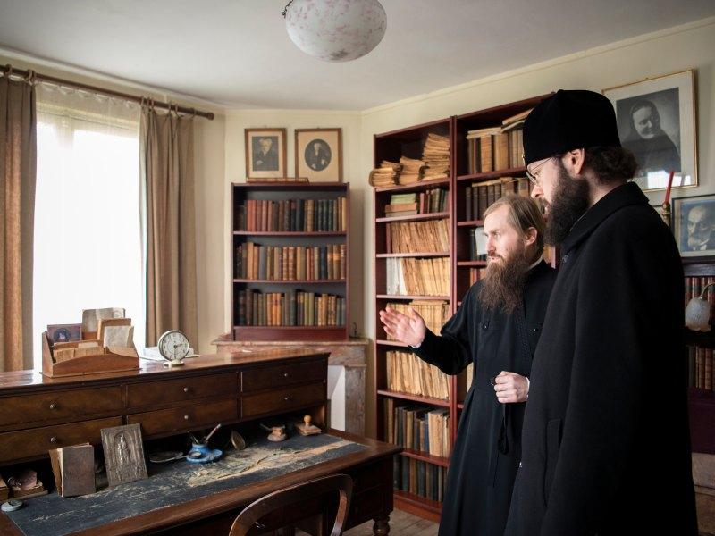 ÎPS Anthonie, Mitropolitul Corsunului și al Europei de Vest a vizitat Casa-muzeu a scriitorului Berdiaev din Clamart